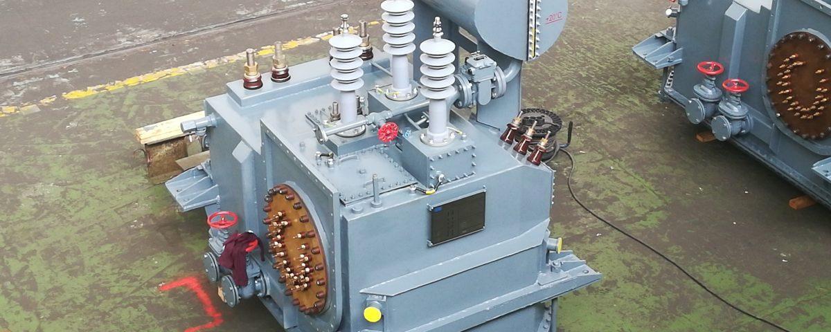 локомотивен трансформатор